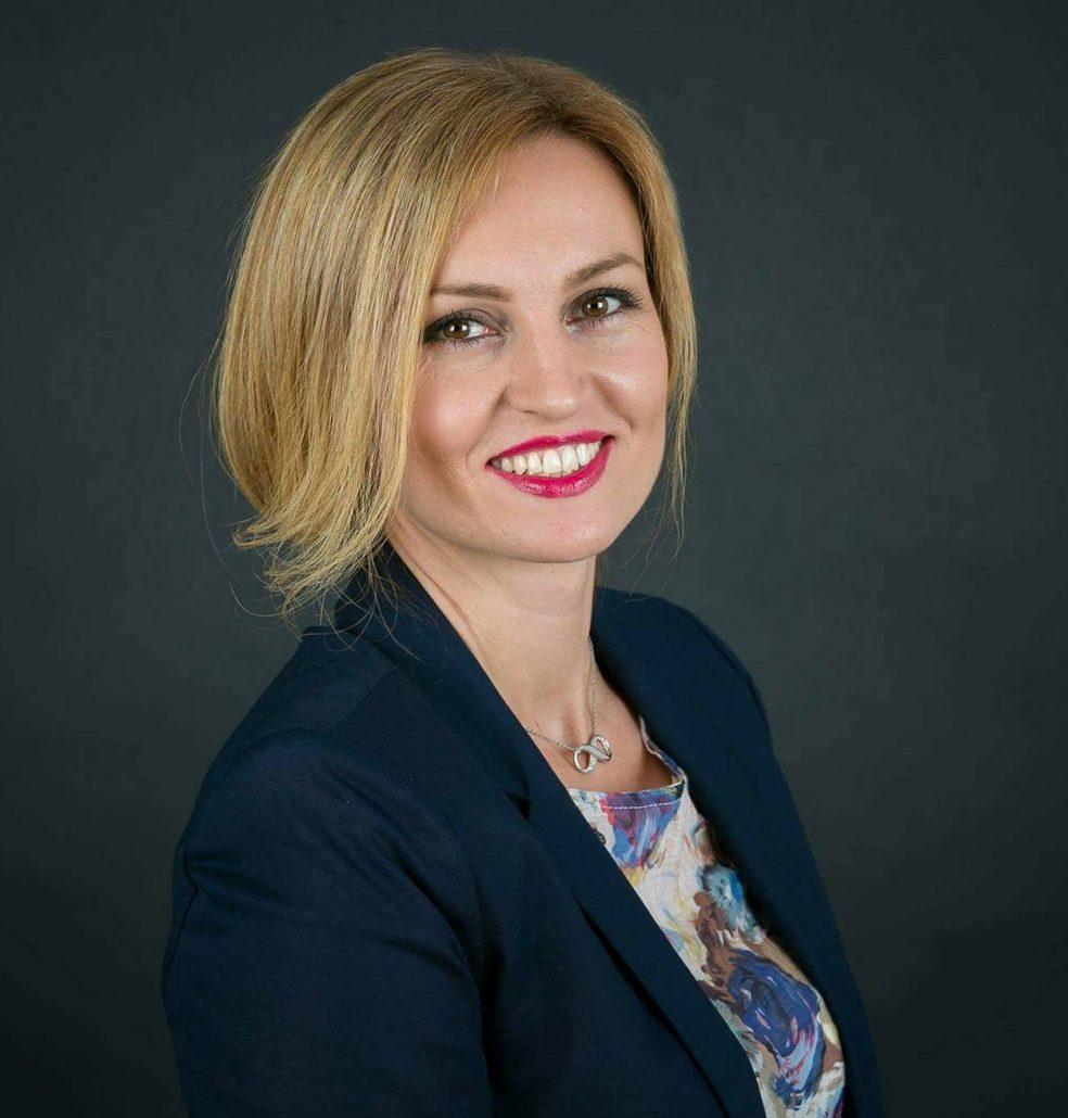 Дафи Лазарова, София, мениджър в банка
