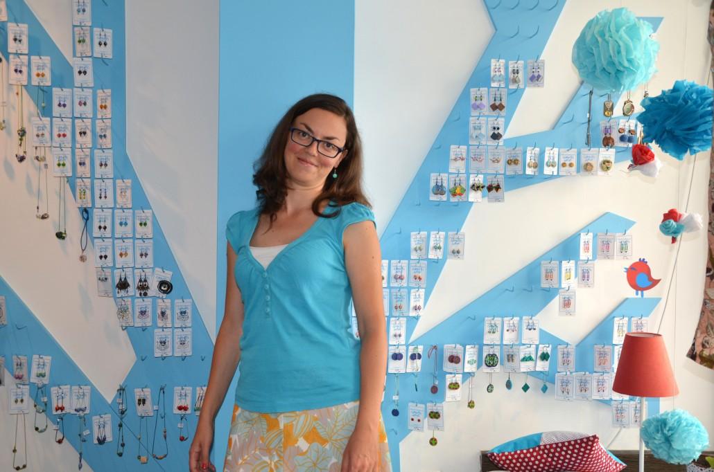 Яна Вичева (Собственик на арт магазин Синьото мече)