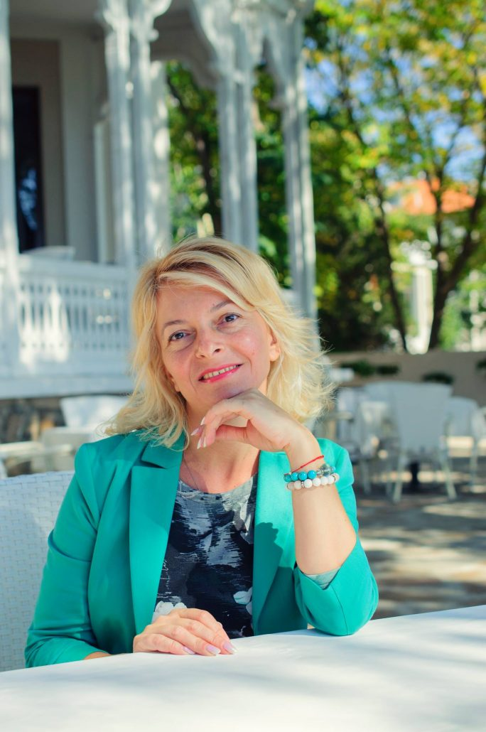 Елина Попова, Варна, юрист и създател на Моето място